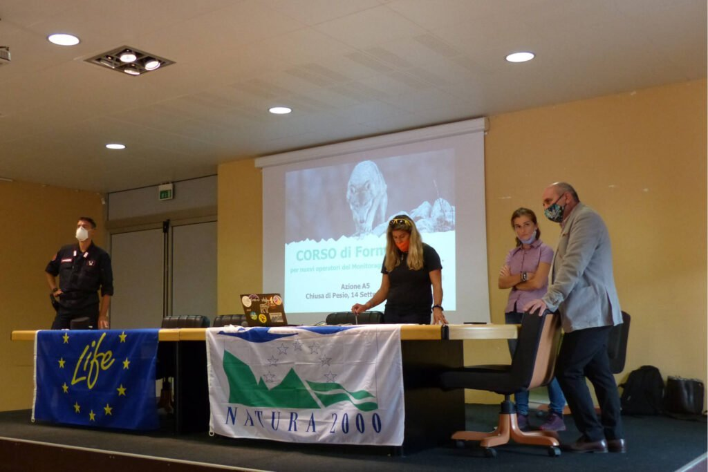 3, 2, 1... the training courses for the first national monitoring of wolves in Italy have been launched - Life Wolfalps EU